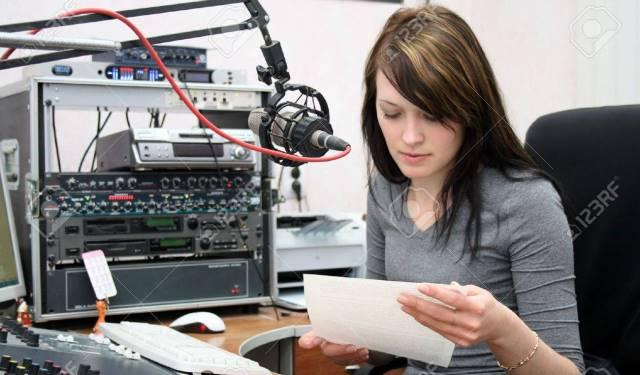kursus penyiar radio mc podcast